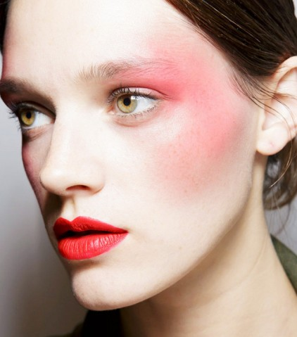 from-draping-to-bold-eye-shadow-5-80s-makeup-tips-you-need-to-try-2023464.640x0c